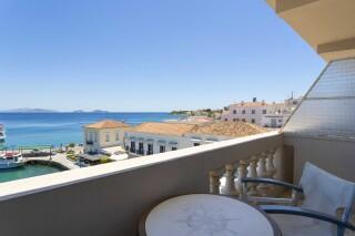 accomodation roumani hotel balcony