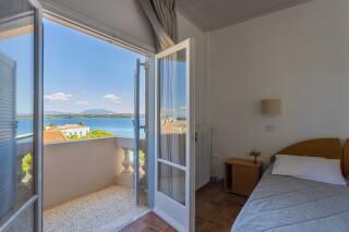 accomodation roumani hotel bedroom sea view