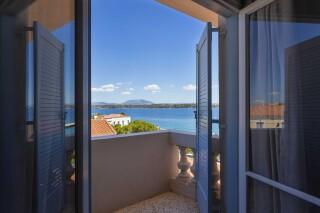 accomodation roumani hotel bedroom view
