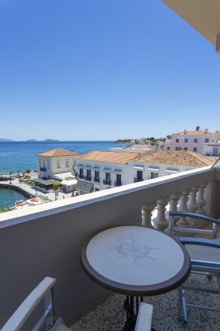 accomodation roumani hotel spetses view