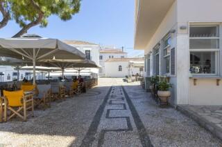 facilities roumani hotel restaurant area