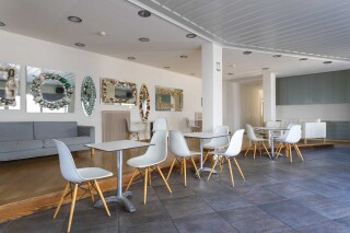 facilities roumani hotel tables